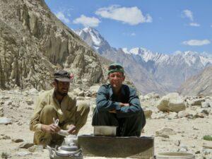 Pakistan K2 trekking - dragers