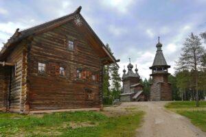 Rusland Altai - typisch houten huis